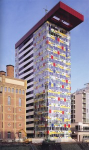 Edificio Colorium, William Alsop, Dusseldorf (Alemania), 2001.