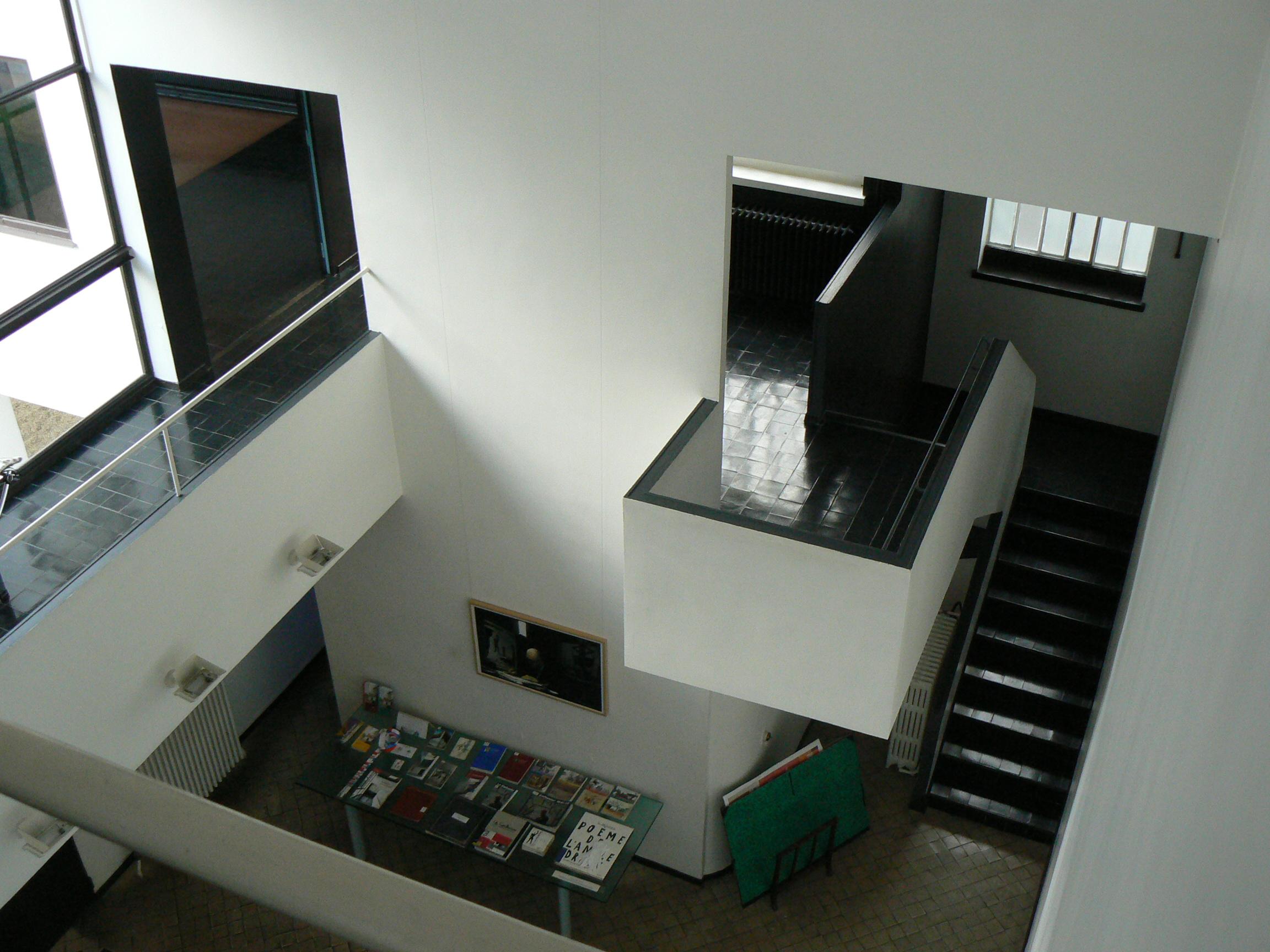 Color y arquitectura contempor nea dimensiones - La casa de las estanterias ...