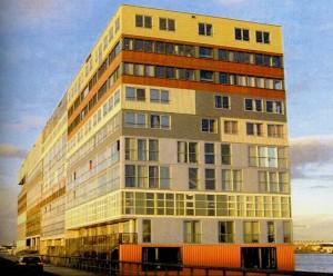 Edificio residencial Silodam. MVRDV, Borneo, Amsterdam, 2002.