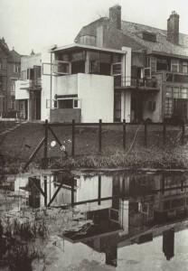 Vista exterior de la casa Rietveld-Schröder, G.T Rietveld, Utrech, 1923
