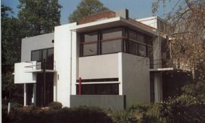 Vista exterior de la casa Rietveld-Schröder en la actualidad, G.T Rietveld, Utrech, 1923