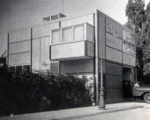 Fotografía del Garaje Vries, G. T. Rietveld, Utrech, 1927.